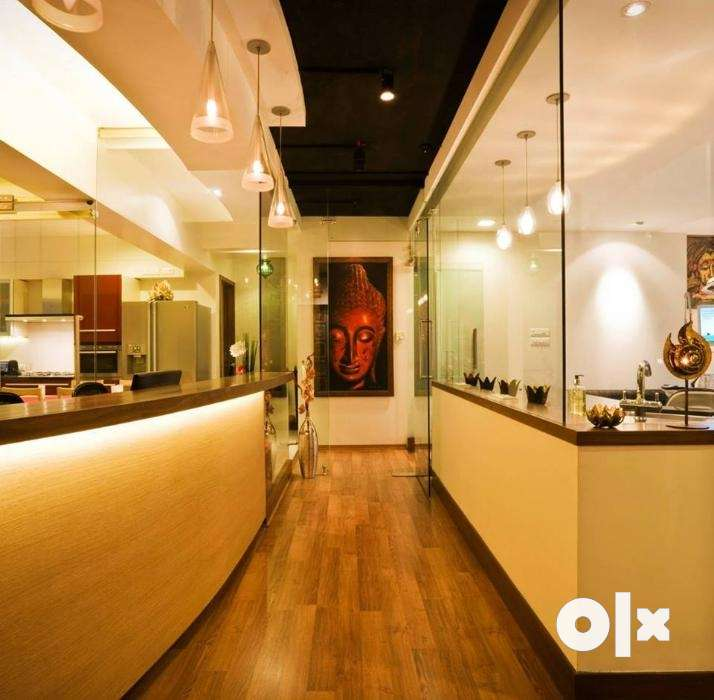 Required a Female Front desk Receptionist Mumbai Jobs Khar West