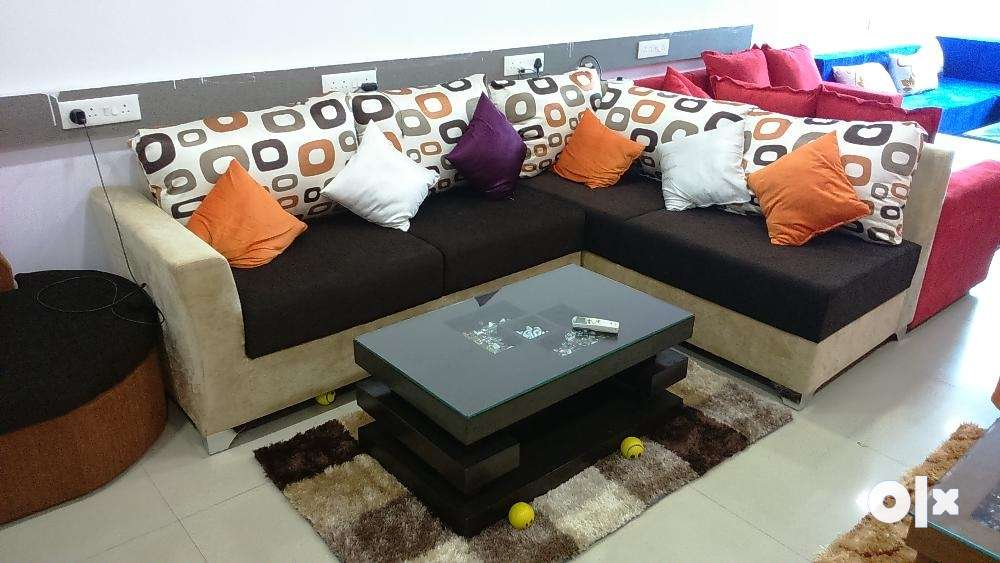 Living room furniture kandivali east book the best for Living room kandivali east