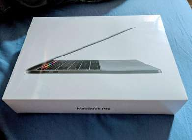 "CaSH BiSA KReDiTAn Macbook Pro MPXT2 -Grey (13""/core i5/8GB/256GB)"