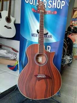 Gitar akustik cek