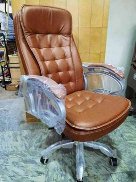 High Back Executive Revolving Office Chair in Karachi