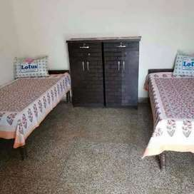 No brokage male pg furnished all types room 5500 near station Malad W