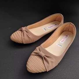 Flatshoes pita dasi