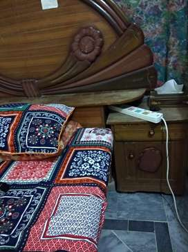 Double bed set without mattress