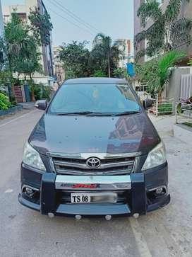 Toyota Innova 2.5 V 7 STR, 2015, Diesel
