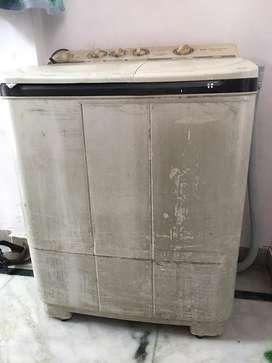 Videocon semi automati washing machine for sale