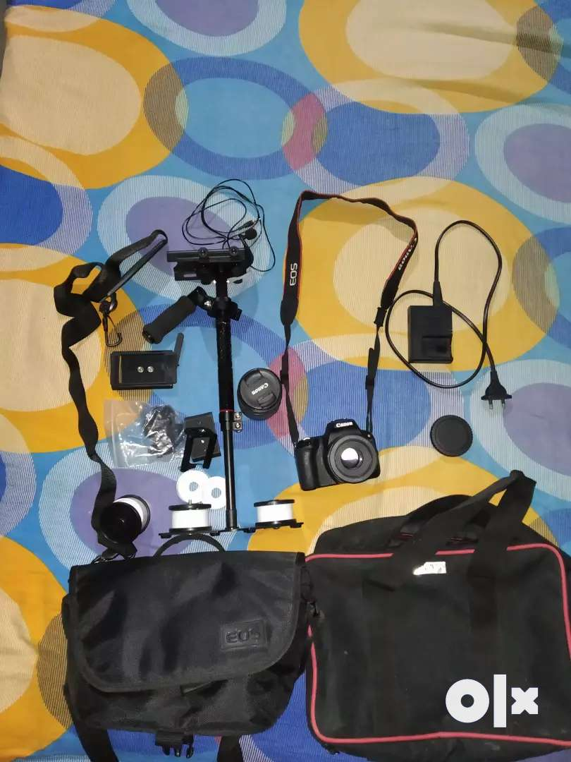 FULL KIT canon 200d 8months old. Very less used. New Condition. 0