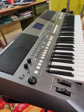 Yamaha psr s670 excellent condition!