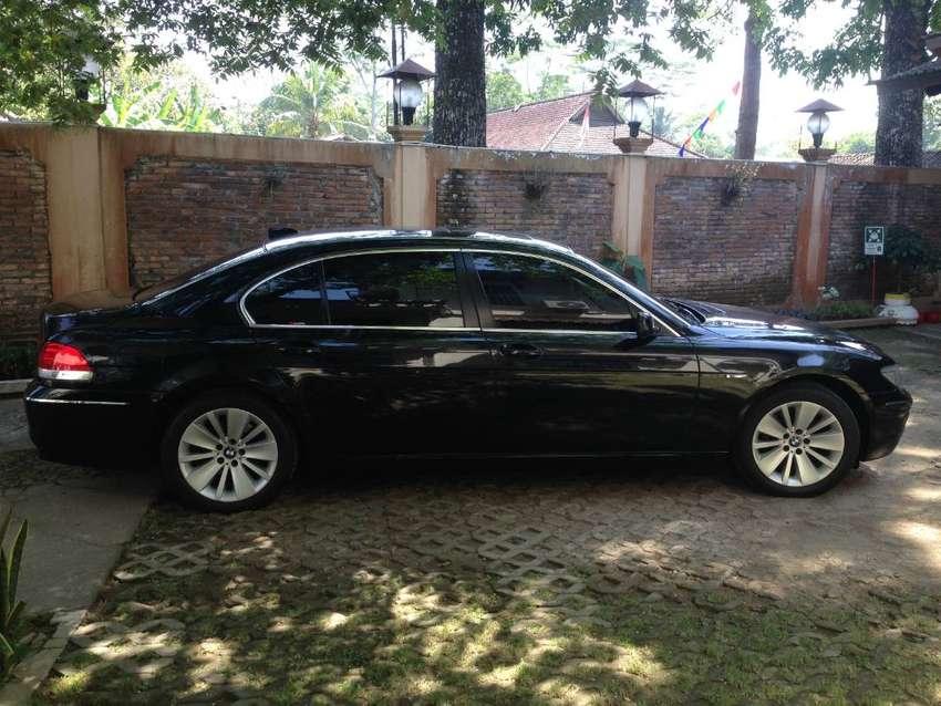 MOBIL BMW 730Li 0