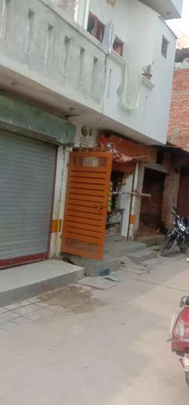 Park facing gud location.Awas Vikas colony shop cum house 99 yr lease