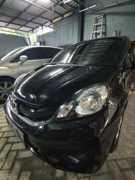 Sewa mobil city car (honda brio matic manual)