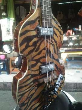 Bass HOFNER antik motif Special