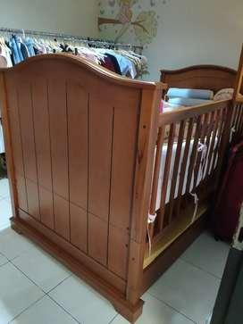 Ranjang bayi bahan kayu solid