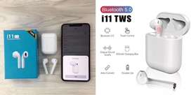 i11 airpods (bluetooth) wireless charging case