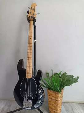 Bass Musicman Stingray Hitam Custom New