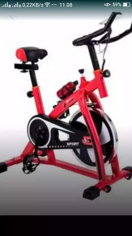 Olahraga dengan sepeda spining murah baru