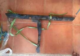 Plat tengah pengunci kap mesin daihatsu taft