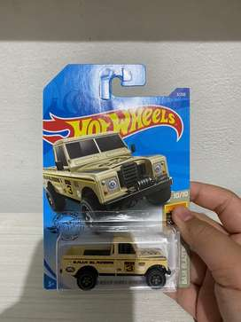 Hotwheels Land Rover series 3 pick up