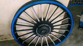 Aloy wheels and back tyre