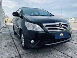 Toyota kijang innova V at 2012 diesel hitam pemakaian 2013