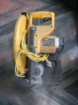 Cutoff machine, DeWALT, sparingly used