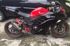 Kawasaki Ninja 250 fi ABS merah
