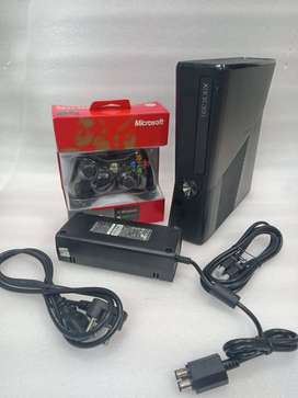 XBOX 360 SLIM 160GB COMPLETE 20 GAME WITH ALL NEW ACCESSORIES WITH 1 M