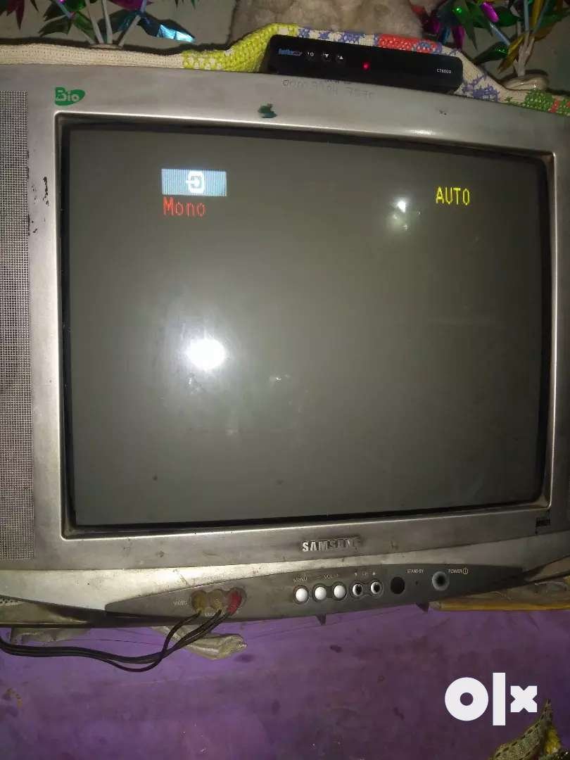 Samsung TV 21 inc 0
