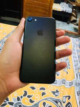 Iphone 7 128gb lavish condition total packed phone not open and repair