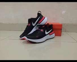 Sepatu NIKE REACT MILER Black/White-Laser Crimson