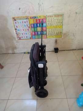 Stroller lipat praktis like new