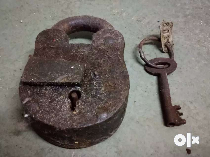 100 years old lock 0
