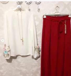 Marron Skirt with white top with flowers on sleves