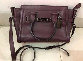 Coach swagger 27 maroon