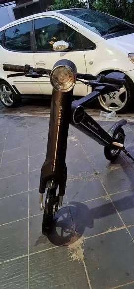 Sepeda lipat /motor listrik selis K Bike  dijual pindahan like new
