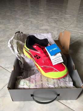 Dijual sepatu yonex court ace light