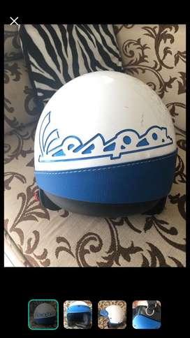 Helm vespa retro police
