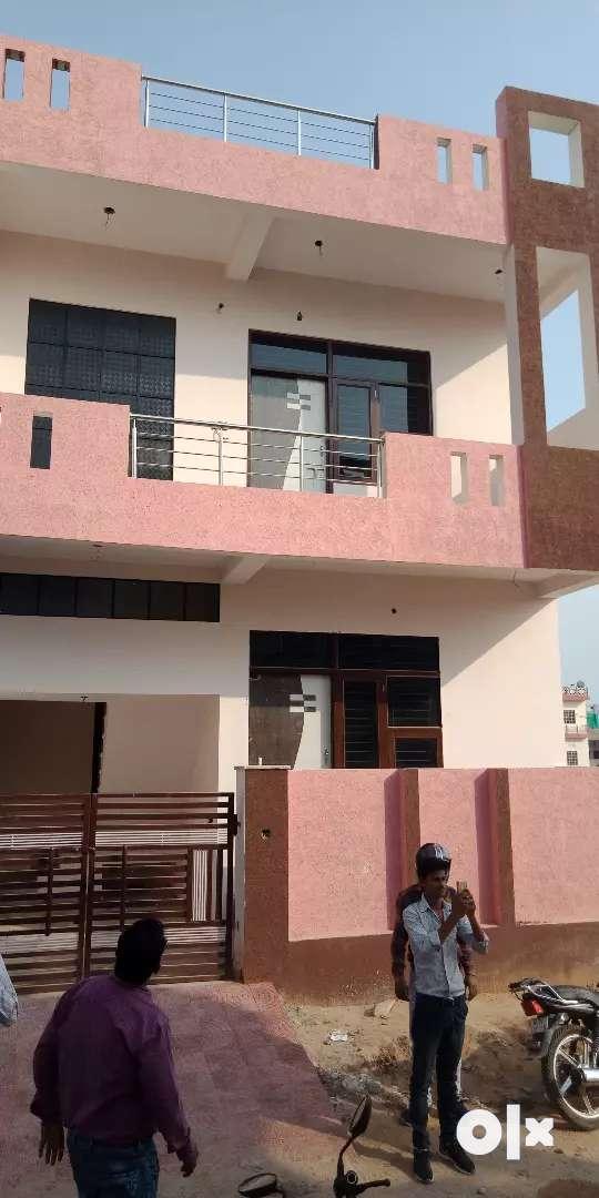 90 sq.yard Super luxurious villa very reasonable price prime location 0