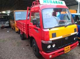 Mahendra Nissan 4wheel
