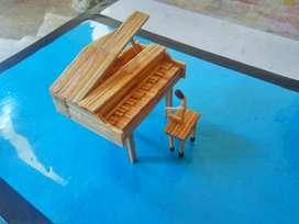 Miniature korek api bentuk piano