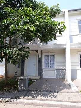 Dijual Rumah di Cluster Azura Vanya Park BSD City