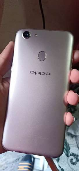 Oppo f5 4/32 10/10 all accessories box exchange possible