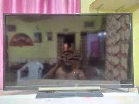 "SONY 32""LED TV"