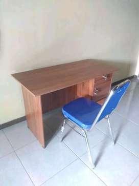 1 set meja kantor + kursi