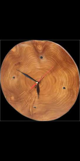 Jam dinding unik terbuat dari kayu jati asli 100%