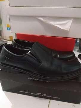 Sepatu formal fantofel