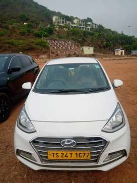 Hyundai Xcent 2017 power windows show room sites not used 4tyers good