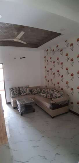 2 BHK Semifurnished Flat On Prime Location.