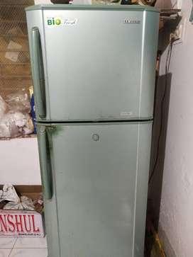 Perfectly working double door fridge
