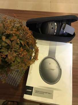 Bose headphones & Apple watch combo